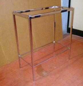 Tavolino inox lucido con gambe coniche